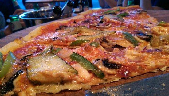 """Le Delicatezze Di Bruno : 19"""" pizza"""