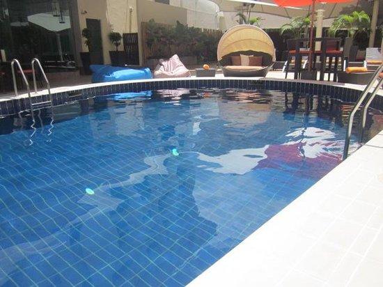 Radisson Hotel Brunei Darussalam: the hotel pool