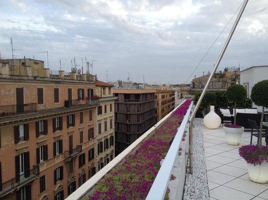 Visconti Palace : roof top bar view