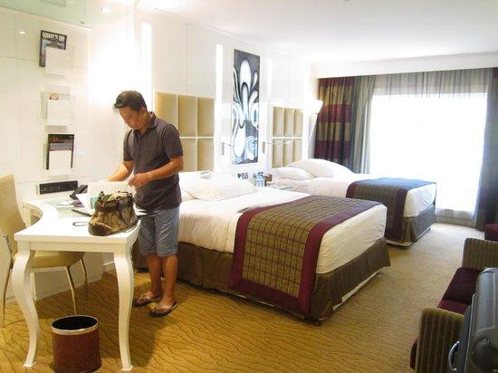 Le Meridien Dubai Hotel & Conference Centre : bedroom