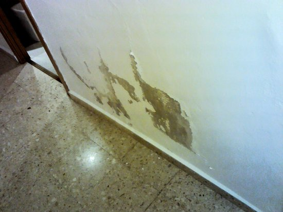 MedPlaya Hotel Rio Park: flaking plaster