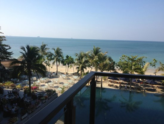 Beyond Resort Krabi: pool & sea view from my room