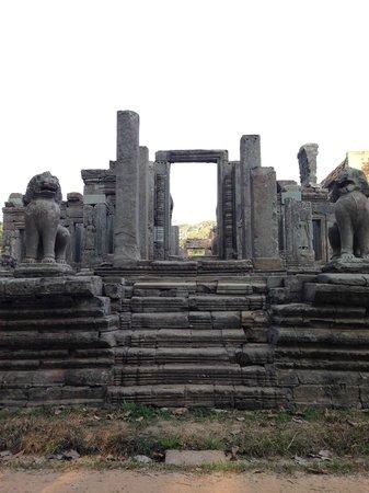 Peace of Angkor Tours: Bayon