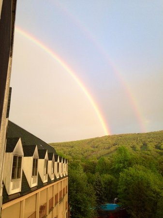 Chateau Resort & Conference Center: Double rainbow view from our room.