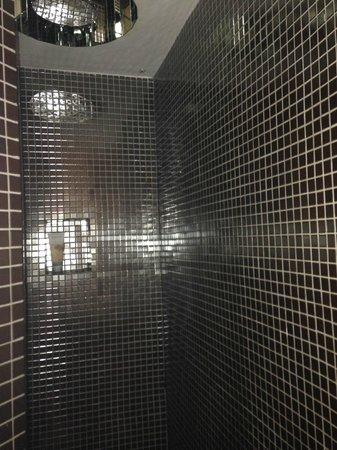 Relais Conte Di Cavour de Luxe: la doccia
