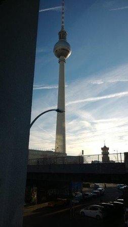 Motel One Berlin-Hackescher Markt: Fernsehturm gleich um die Ecke