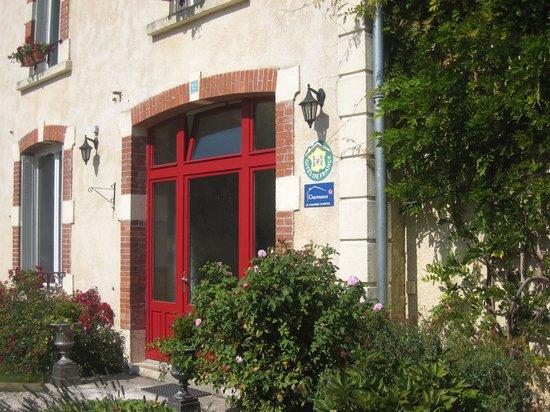 Charny-sur-Meuse, Frankreich: Entrée des propriétaires