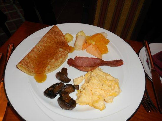 Killarney Plaza Hotel and Spa: Lovely breakfasts.