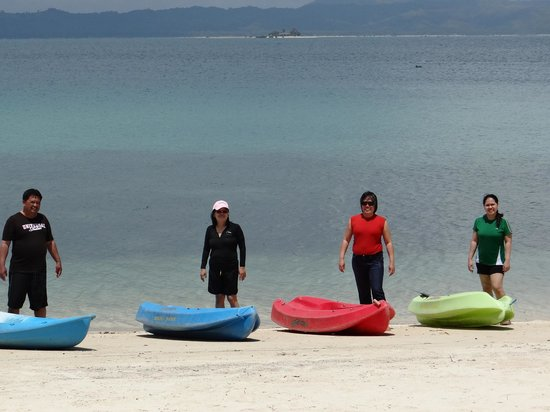 Dos Palmas Island Resort & Spa: kayaks by the beach