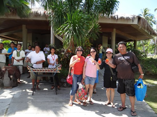 Dos Palmas Island Resort & Spa: Welcome party!