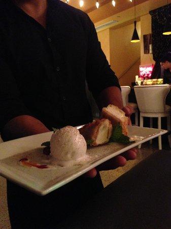 Fung Ku: Tempura cheesecake