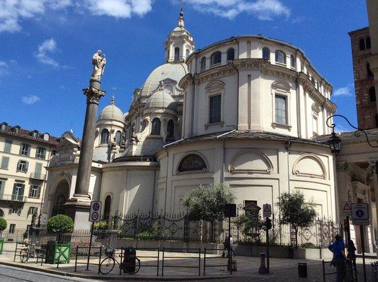 Santuario Basilica La Consolata : Fachada