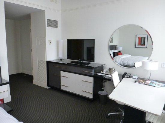 Loews Philadelphia Hotel : Room