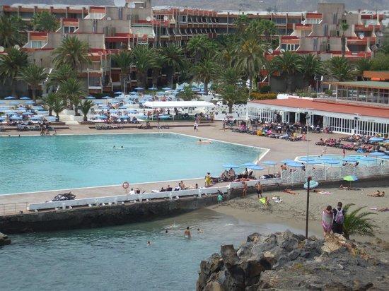 Alborada Beach Club: Hotel pool area