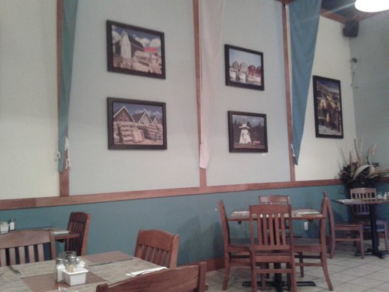 Kalays: Nice down east decor and pictures.