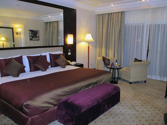 Premier Le Reve Hotel & Spa (Adults Only) : Superb room 1322 - large and roomy