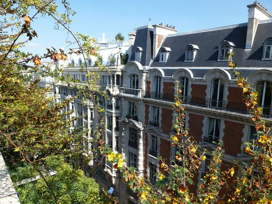 Holiday Inn Paris - Notre Dame: view from 7th floor balcony
