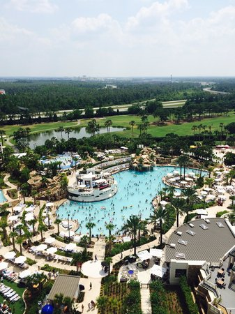 Orlando World Center Marriott: Excellent pool and slide
