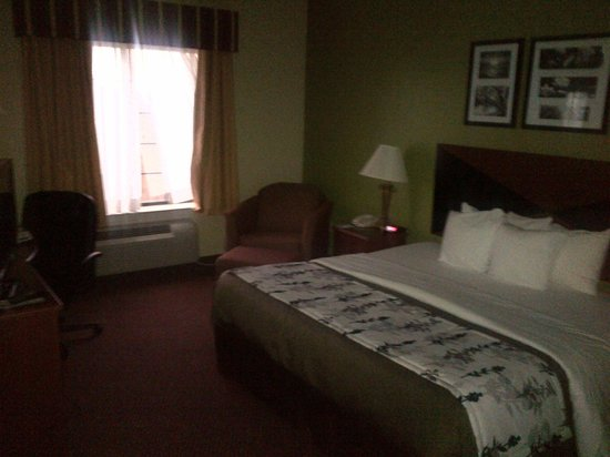 Sleep Inn and Suites: Room is large and spacious