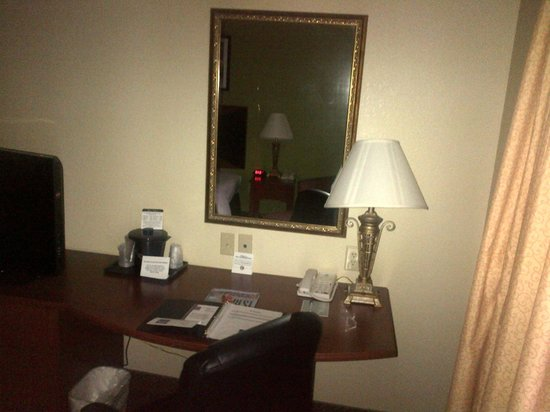 Sleep Inn and Suites: Work area