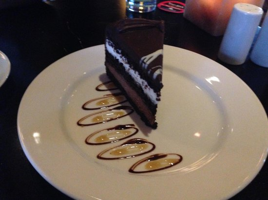 Texas de Brazil: Chocolate cake