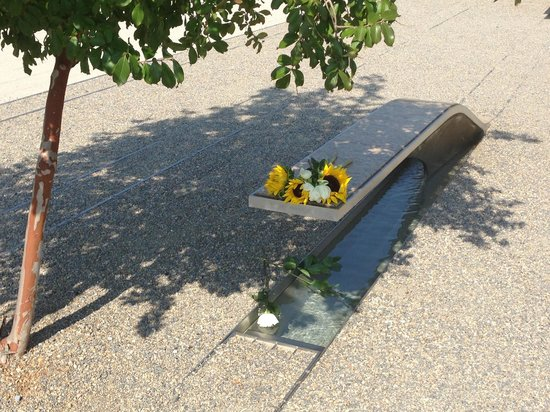 Pentagon Memorial: An individual bench and pool