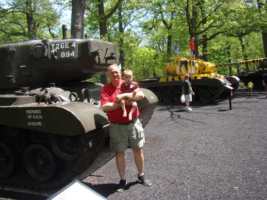 First Division Museum at Cantigny : Great tank exhibit