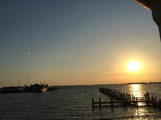 Uncle Ernie's Bayfront Grill: View from the deck