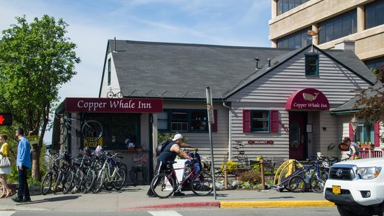 Copper Whale Inn: Exterior of the Copper Whale