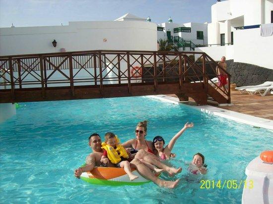 Aparthotel Lanzarote Paradise: pool area