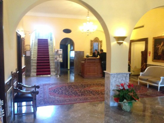 Majestic Palace Hotel: Reception
