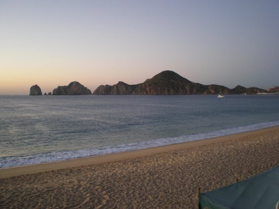 Villa del Arco Beach Resort & Spa Cabo San Lucas : Morning View - Beach and Land's End