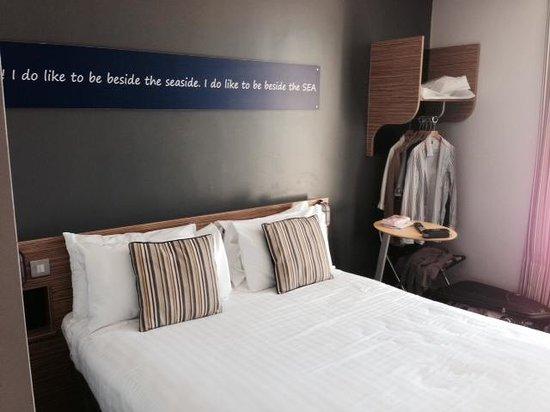 Ibis Styles Blackpool : Double Bedroom