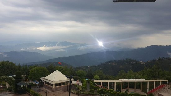 Pearl Continental Hotel Bhurban: View from Terrace