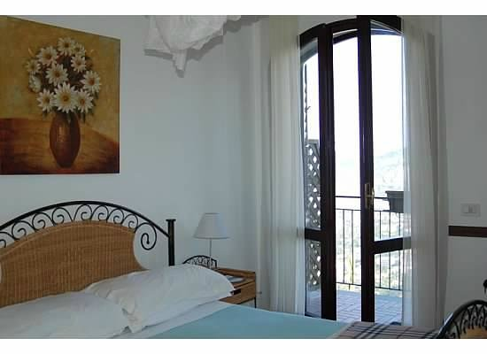 Villa Monica B&B : clean, quiet, and comfortable