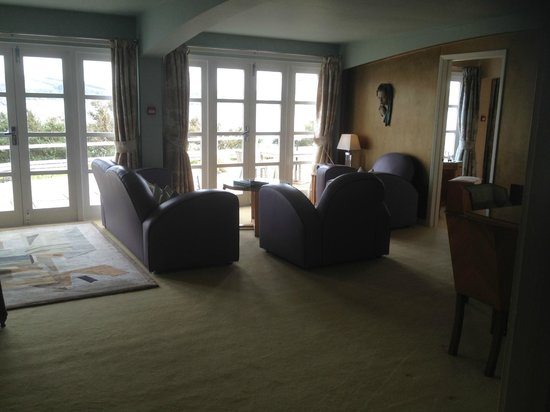 Burgh Island Hotel: Lounge area - Garden Suite