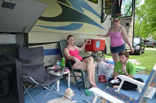 The Great Divide Campground: The kids just chillin'.