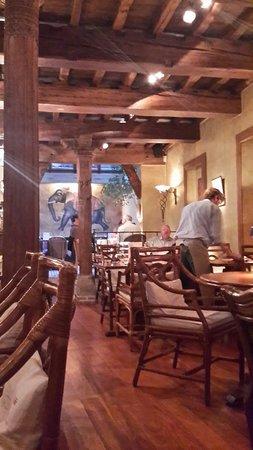 Bhavani Indian Restaurant: Inside