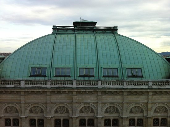 Hotel Sacher Wien: View of the Vienna State Opera from room 706