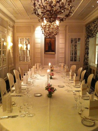 Hotel Sacher Wien: Dinner setup for Aria Tours in the Metternich Salon