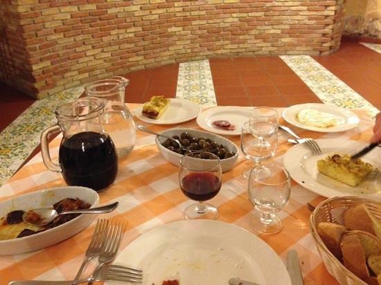Azienda Agrituristica Villa Dafne: een gedeelte van de avond maaltijd