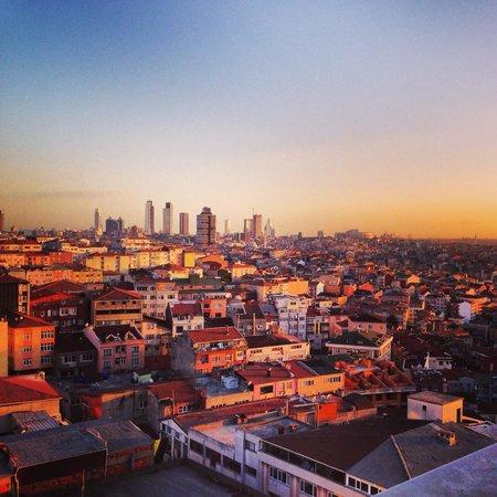 Bilek Hotel Istanbul: Odamizdan manzara