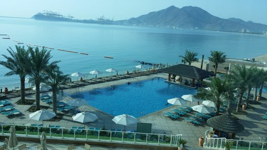Oceanic Khorfakkan Resort & Spa: Oceanic view from hotel room.