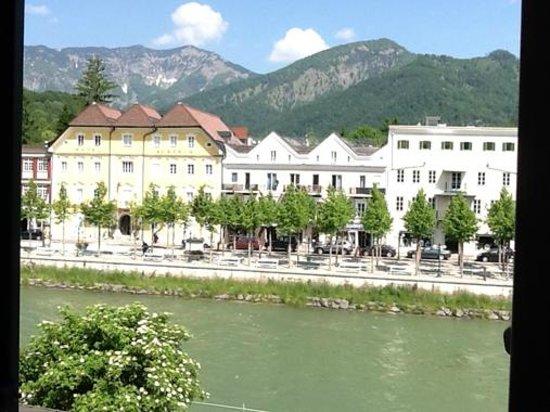 Hotel Goldener Ochs: vue sur la rivière traun