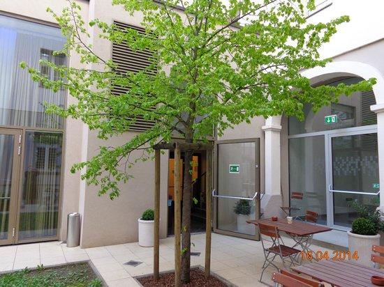 Hotel Sandwirth: Kleiner Innenhof