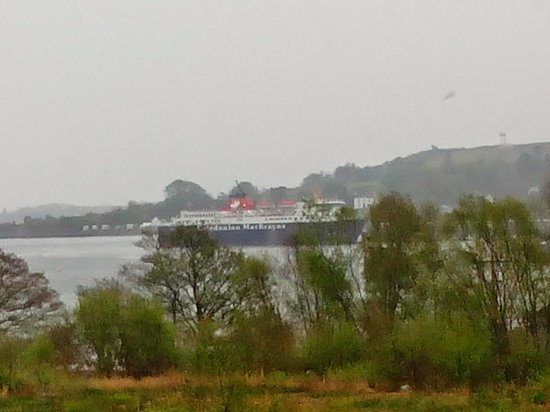 Isle of Mull Hotel & Spa: ferry at mull