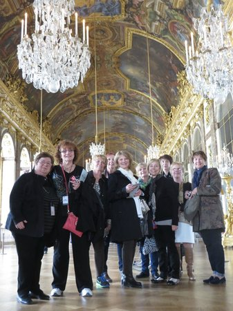 Unique Paris Private Tours : With Tatiana in the Hall of Mirrors at Versailles.