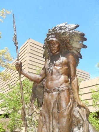 Leanin' Tree Museum of Western Art: sculpture garden