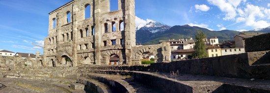 Teatro Romano: Roman Ruins in Aosta