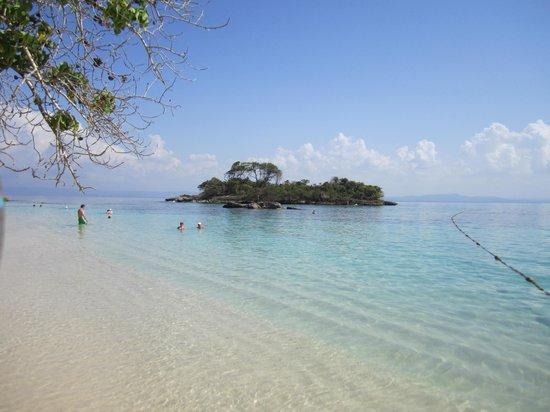 Luxury Bahia Principe Cayo Levantado: the beach